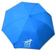parapluie bleu avec logo chiens guides d'Aveugles IDF en blanc. Dimensions : ouvert : 59 cm de haut, fermé 32 cm de haut 90 cm de diamètre